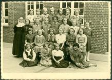 Werken: de meisjes geboren in 1943 in de klas van zuster Agnes