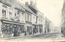 Poperinge: Gasthuisstraat met bazar en drukkerij Sansen