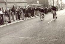Beselare: aankomst van een wielerwedstrijd