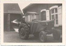 Hollebeke: eerste tractor op de hoeve Mahieu