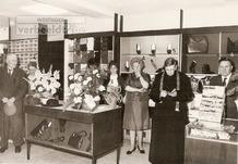 Esen: inzegening schoenwinkel Debruyne
