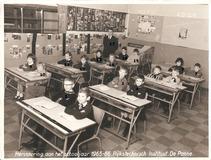 De Panne: klasfoto Rijkstechnisch Instituut 1965-1966