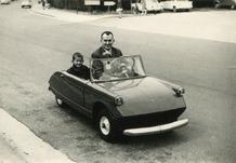 De Panne: Meester Lermyte en zoon Lode rijden naar school