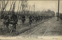 Ieper: Franse cyclisten op de Meenseweg