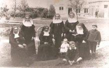 Hollebeke: zuster Alfonsine als peuter
