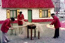 De Panne: het vissershuisje op het begoniafestival