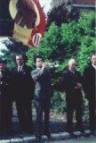 Hollebeke: oudstrijders bij het monument van de gesneuvelden