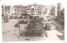 De Panne: tanks op de Markt