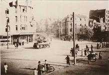 De Panne: eerste Canadeese tank rijdt door de straat