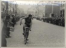 Komen (Henegouwen): wielerwedstrijd