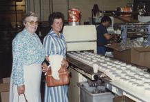 Lembeke: KAV bezoekt Corona koekjesfabriek
