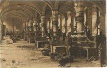 Ieper: groentenmarkt in de Hallen