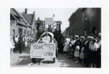 Jonkershove: wagen tijdens inhuldiging priester Cyriel Vergracht.