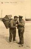De Panne: twee vissers op het strand