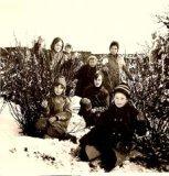 Sint-Juliaan (Langemark): sneeuwpret in de kloostertuin