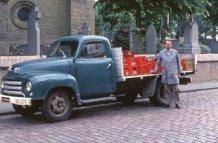 Reninge: Gaspard Huyghe op bierronde in 1978