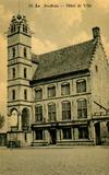Lo: het stadhuis in de jaren 50