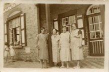 Oostduinkerke: het personeel van het home Joie et Santé tijdens het interbellum