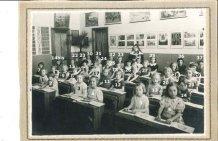 Nieuwpoort: kleuterklas Arme Klaren 1940