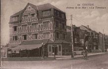 Koksijde: de brasserie La Terrasse met haar mooie terras.