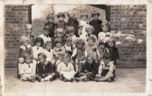 De Panne: klasfoto kleuters 'Panne Instituut' 1937