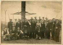 Koksijde: groepsfoto schuttersverening Sint-Sebastiaan