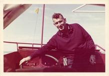 De Panne: René Vermander aan boord van zijn amfibievoertuig Malgré Tout