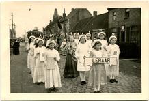 Pollinkhove: sacramentprocessie omstreeks 1950
