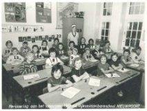 Nieuwpoort: Rijksmiddelbareschool meisjes 1963-1964