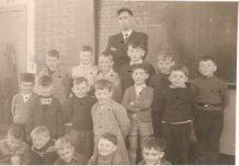 De Panne: klasfoto tweede leerjaar St.-Pieterscollege 1958-59
