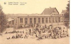 De Panne: speelplein 'Panne Instituuten' en refter Maison du peuple