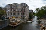 Dr. Kuyperstraat, bouw van de nieuwe brug die de Dr. Kuyperdam vervangt; vervaar…