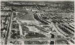 Luchtfoto Den Haag. Overzicht van de tankgracht tussen de Sportlaan (links) en d…