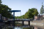 Zoutkeetsingel (links) en Lijnbaan, de ophaalbrug gezien van het water; vervaard…