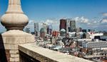 Gezicht vanaf de toren van de Grote of Sint Jacobskerk op de skyline met hoogbou…