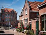 Vlagstraat gezien naar het Schipperplein; vervaardiger: Gispen, Piet; 21 -6 -201…