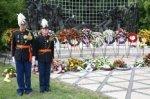 Herdenking van de Japanse capitulatie bij het Indisch monument; vervaardiger: Br…