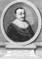 Portret in ovaal van de militair Maarten Harpertsz. Tromp (1597-1653) met 4-regelig Frans onderschri ...