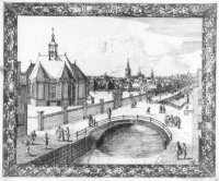 De Nieuwe Kerk aan het Spui, met de brug over de gracht naar de Hout- en Turfmarkt. Op de achtergron ...