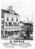Het Hotel Des Pays Bas, het vroegere Logement de Nederlanden, aan het Huijgensplein.