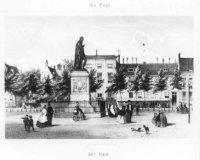 Het Plein met centraal in het midden het standbeeld van Willem de Eerste (ook wel Willem de Zwijger  ...