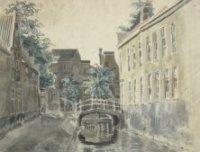 De Fluwelen Burgwal, naar de Kalvermarkt toe gezien. Op de achtergrond drie huizen aan de Nieuwe Mar ...