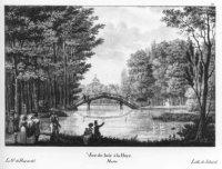 De Grote Vijver in het Haagse Bos met de Zwitserse Brug en in het verschiet de koepel van het paleis ...