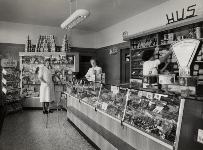 Beeldbank haags gemeentearchief interieur van winkel van for Interieur winkels