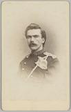 Portret van een 2e luitenant, Cartes-de-visite gemaakt door Binger & Chits te Ha…