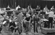 Kolderconcert in de Doelen te Rotterdam, repetitie, v.l.n Albert Mol, Jasper van…