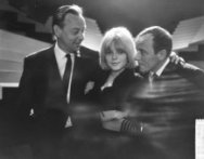 France Gall in show van Rijk de Gooyer en Johnny Kraaijkamp