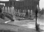 Waterpartij van Le Palais Longchamp. Le Palais Longchamp (1862) is gebouwd ter v…