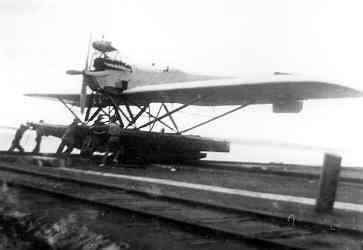 Verkenningsvliegtuig Van Berkel WB (1921-1933). Eén der laatste Van Berkel WB's op de helling
