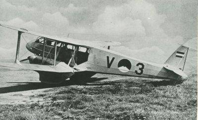 De Havilland Dominie met registratie V-3 Gelderland.
